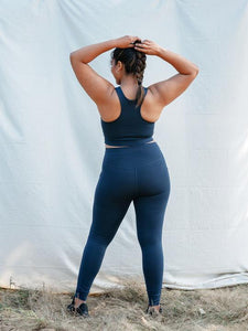 Girlfriend Collective High Rise Pocket 7/8 Leggings - Midnight