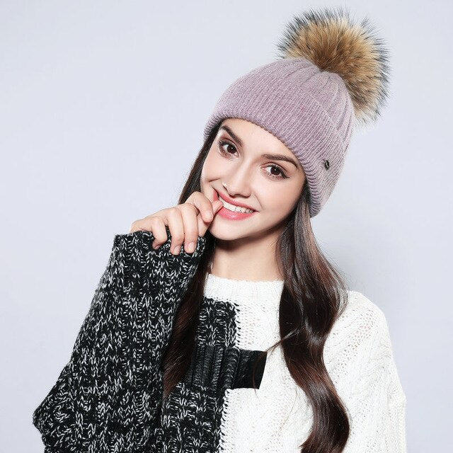 Lady Knitted Pompom Hat Girls Winter Warm Wool Knitting Comfortable Casual Bonnet