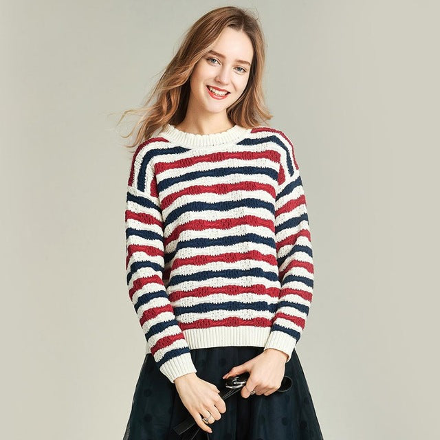 Autumn new Fashion Wavy Stripes Women's Sweater Long-sleeved Round Collar Sweater