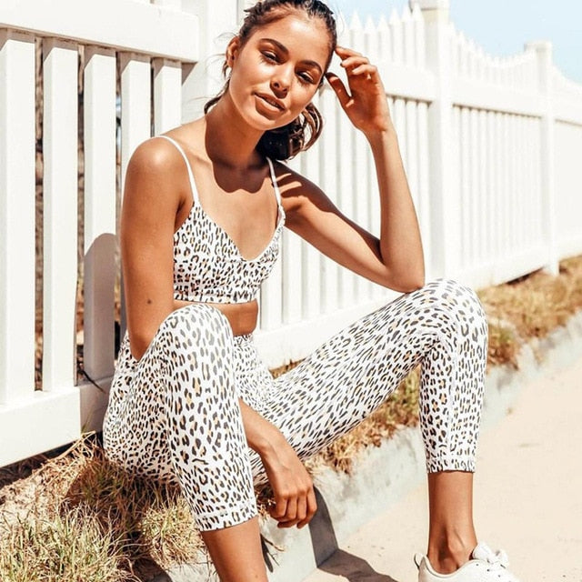 Female Yoga Sets Sportswear Tracksuit Workout Gym Wear Running Clothing Ensemble Women Sport Suit Sexy Fitness Leopard Print