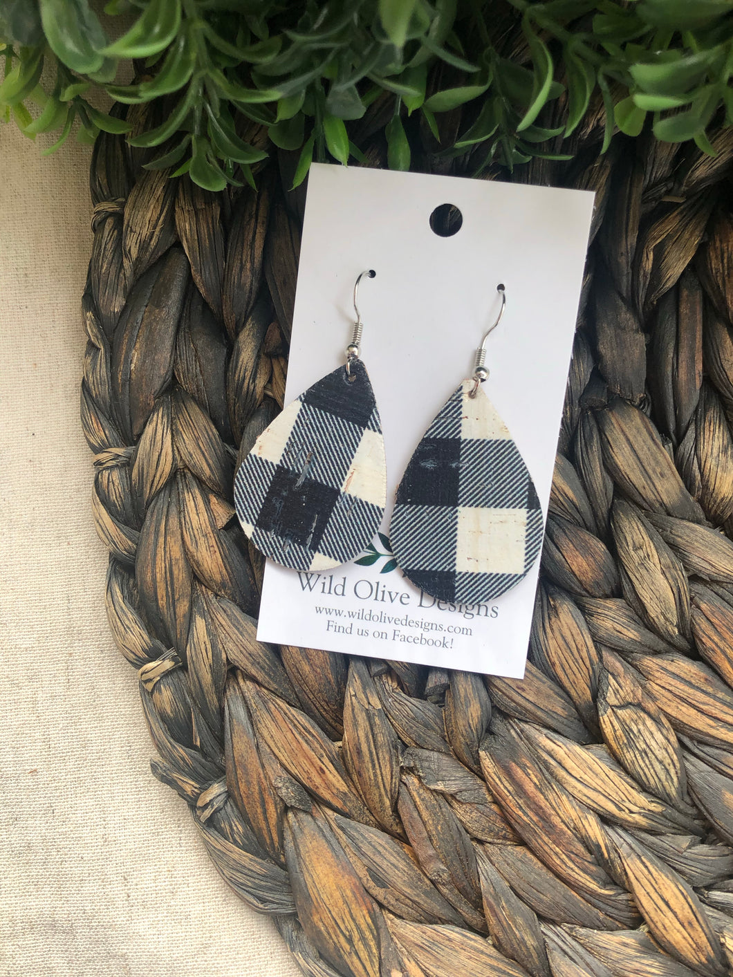 Black and White Plaid Teardrops