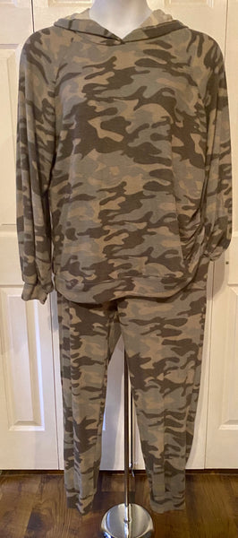 Camo Print Two-Piece Hoodie Pant Set