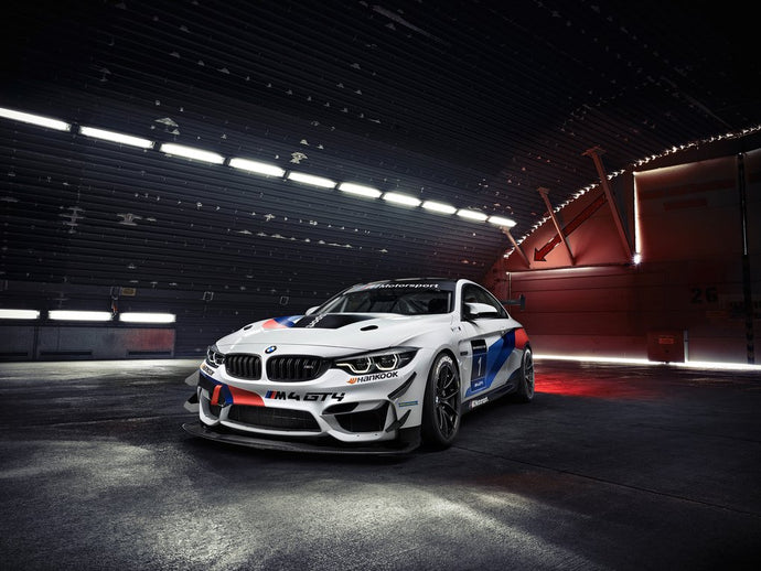 New partner for a successful model: RAVENOL working with BMW M Customer Racing on the BMW M4 GT4
