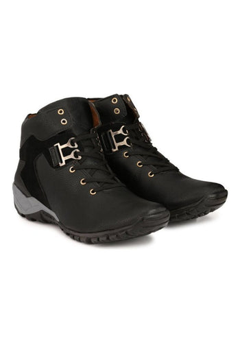 Black trekking boots for Men