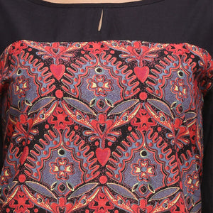red and black printed 3/4th sleeve straight kurti
