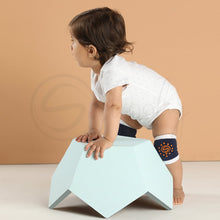 Load image into Gallery viewer, Anti Skid Infant Cotton Socks + Knee Pad + Bandana Drooling Bib (Navy & White) (0-2 Years)