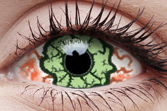 Sclera Kurse Crazy Contact Lens in Eye
