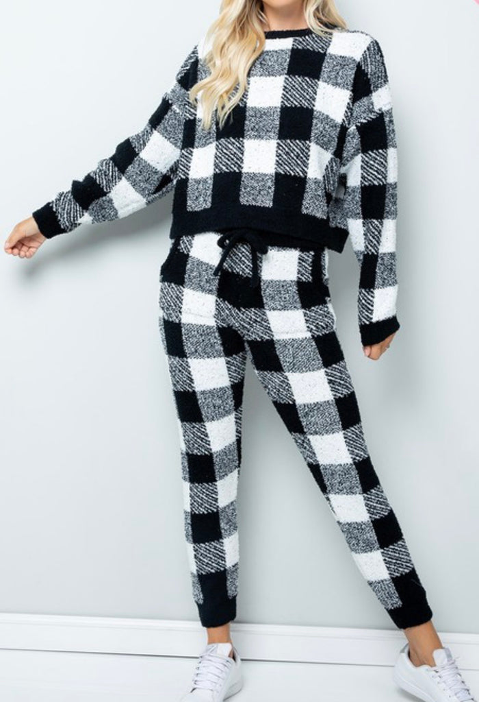 Plush in Plaid| Teddy Knit Joggers(PLUS SIZE)