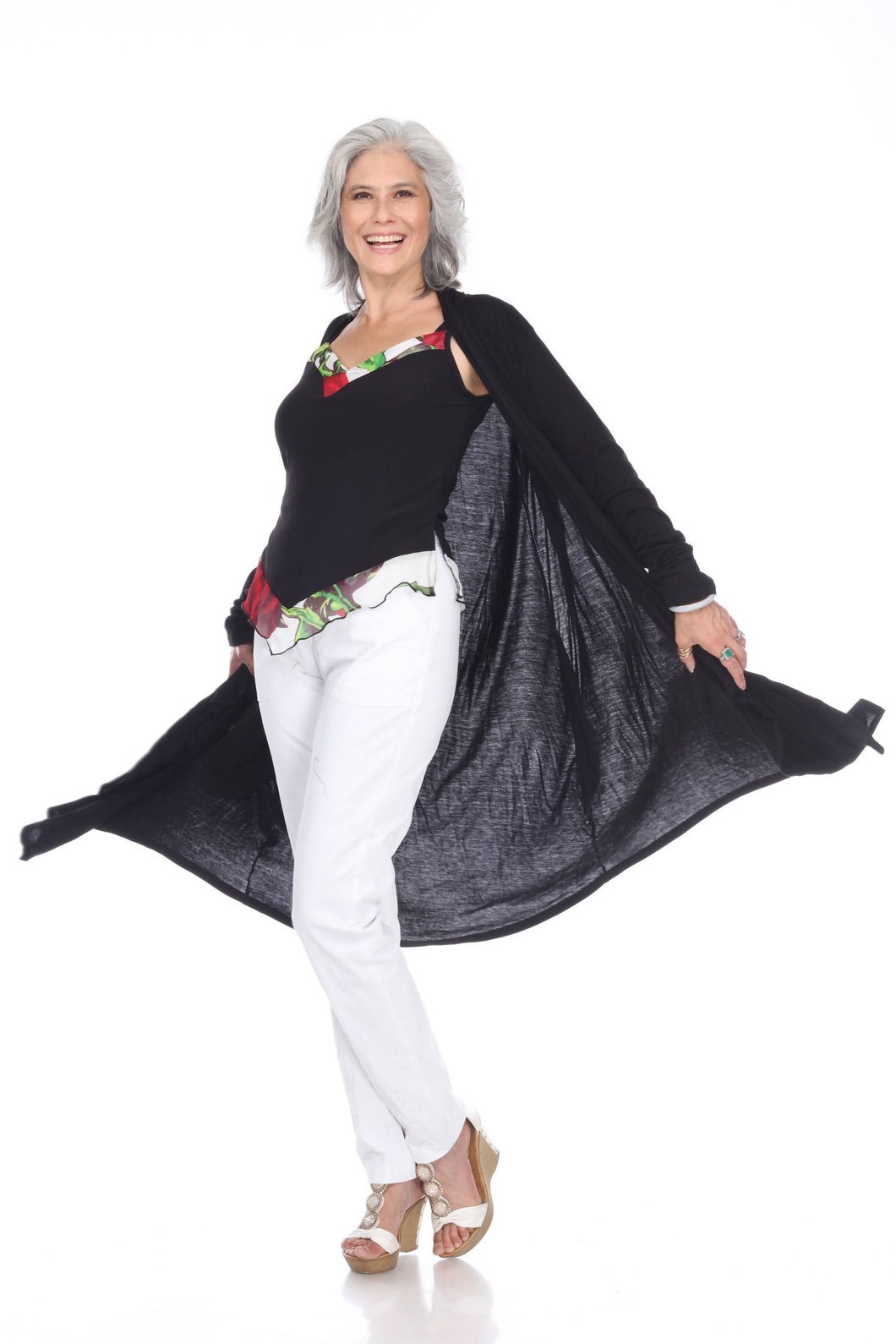Long-sleeved light cape coat with inseam pockets and cascading collar. In black