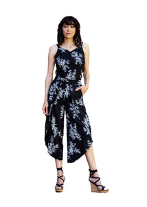 55% linen 45% eco-friendly rayon. Triple strap linen cami with a longer length, V neck, back yoke and side slits  Colours: Black with Bamboo Print