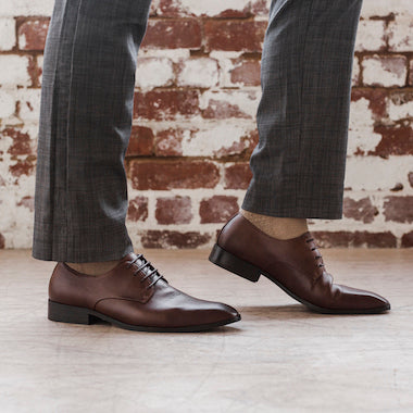 Shop men's vegan dress shoes, perfect for work and formal occasions. Our men's non-leather shoes are made ethically from eco materials.