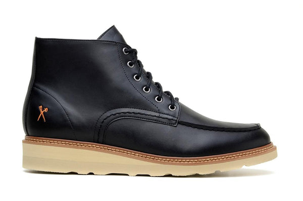 'Estocolmo Chukka' matte black vegan lace-up boot by King55