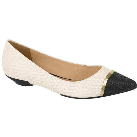 Ballet flat with pointed toe, black and white.