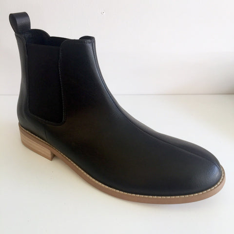 FAIR Shoes - Vegan Chelsea Boots - black