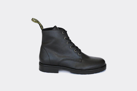 'Blaze' vegan 🍎 apple-leather ankle lace-up boot by Good Guys - black