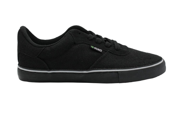 Vegan sustainable sneakers made from hemp material by Etiko