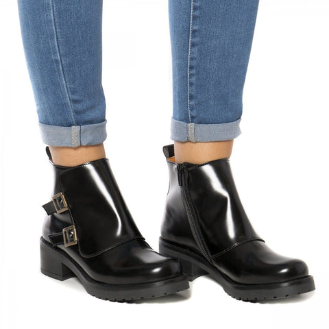 'Tessa' vegan ankle boot by NAE - black