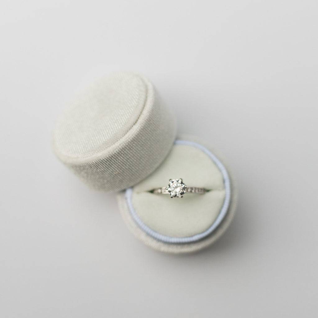 White Round Velvet Ring Box
