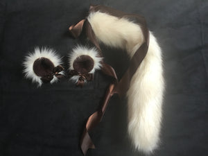 Gorgeous Ivory Kitten / Wolf Play Set