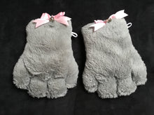 Load image into Gallery viewer, Beautiful Grey & Pink Faux Fur Gloves, Cosplay,Kawaii,