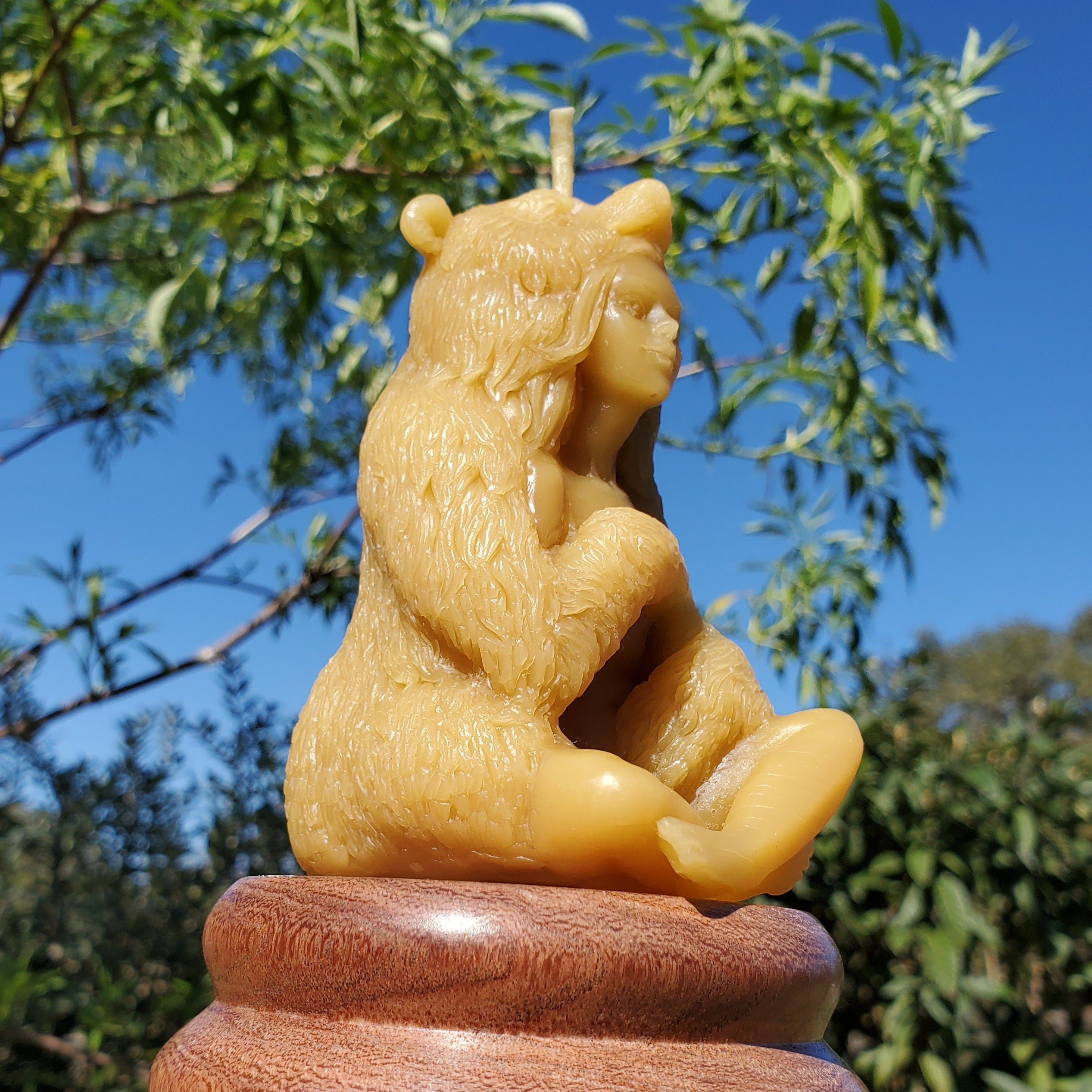Women-Bear Beeswax Candle