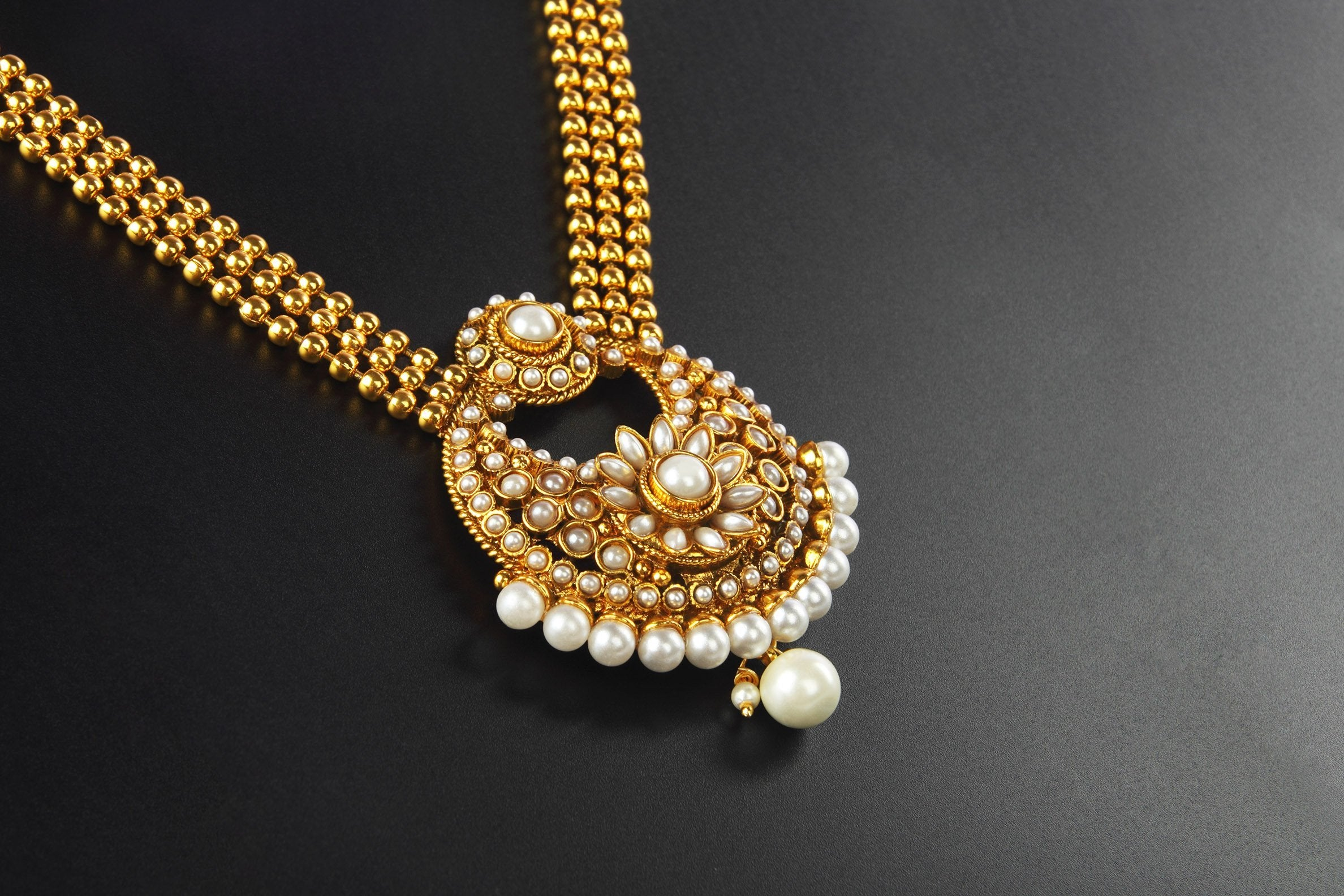 Pearl Gold Necklace Indian designs