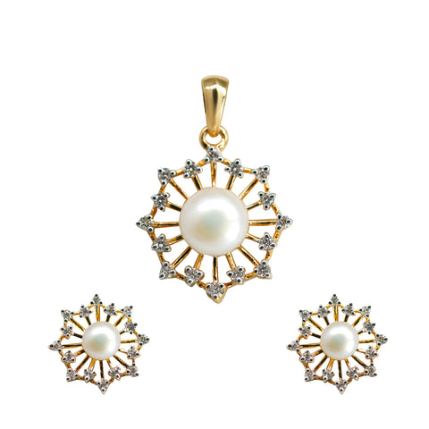 Shiny Natural Pearl & Diamond Pendant With Earrings Set in Gold-GPPD224