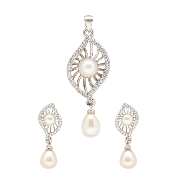 Button Pearls - Pendant Earrings -P0842