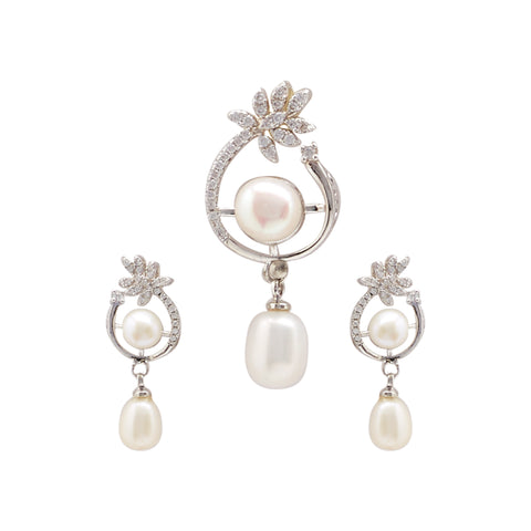 Button Pearls - Pendant Earrings -P0999