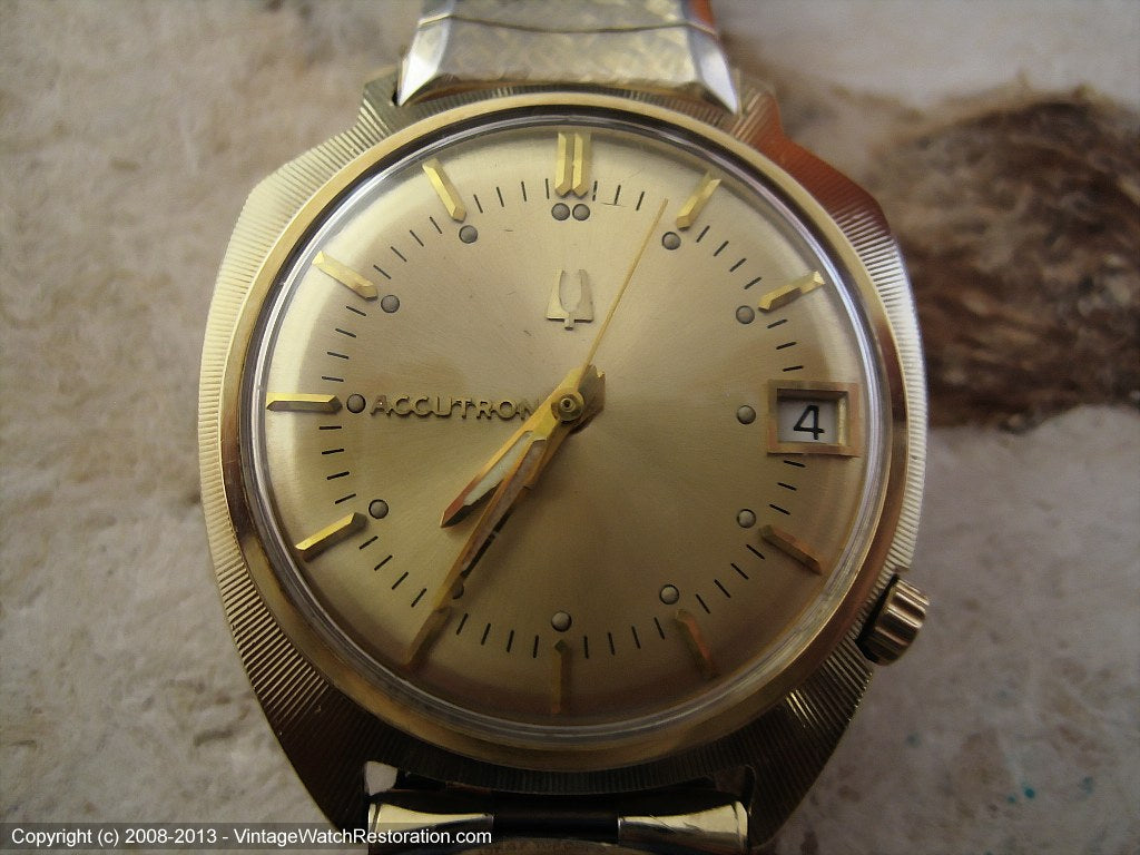 Accutron Shield Design Sunburst with Date, Electric, 35x40mm