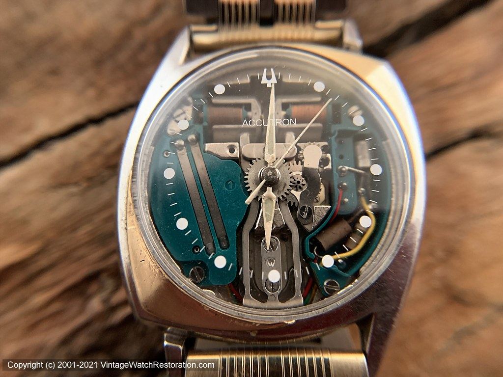 Accutron Spaceview First Year of Issue in Asymmetrical Case with 14K Gold Inlay -- Rare, Electronic, 33.5x40mm