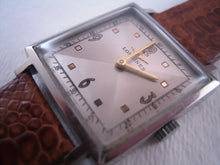 Load image into Gallery viewer, Longines Square Two-Toned Gem, Manual, 28x36mm