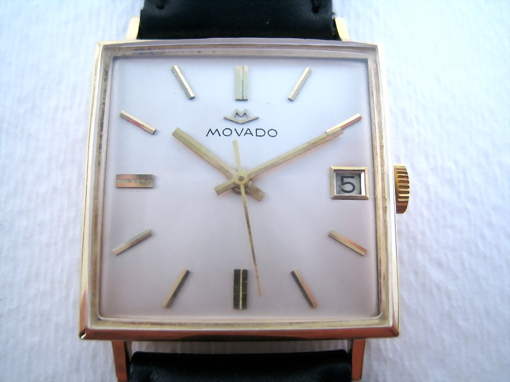 Large Movado 18K Square with Date, Automatic, 29.5x29.5mm