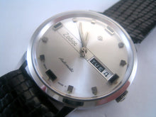 Load image into Gallery viewer, Perfect NOS Zodiac Day/Date, Automatic, Large 35mm