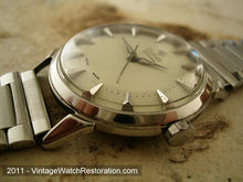 Load image into Gallery viewer, Zodiac Glorious Textured Pearl Pan Shape Dial, Manual, 34mm