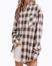 Load image into Gallery viewer, ur boyfriend's flannel
