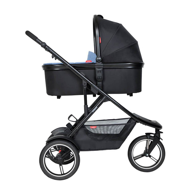 phil&teds dash inline buggy with snug carrycot in lie flat mode