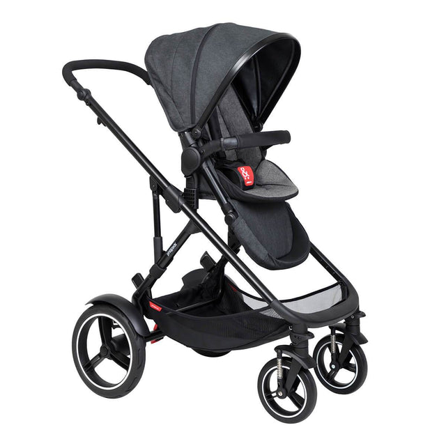 philandteds inline modular inline buggy in charcoal grey with seat in forward facing position 3qtr view_charcoal