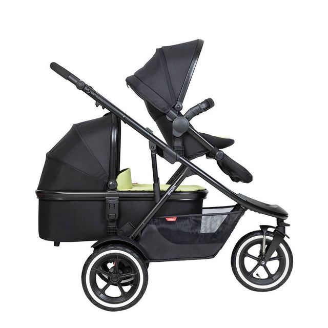 phil&teds inline sport buggy with double kit in front and snug carrycot in rear
