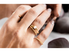 Load image into Gallery viewer, Rings - Mia - Gold • wellDunn jewelry — Handmade in Montreal