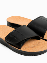 Load image into Gallery viewer, Maseur Gentle Massage Sandal - Black