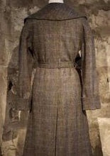 Load image into Gallery viewer, Cora coat in Harris Tweed by Elizabeth Martin
