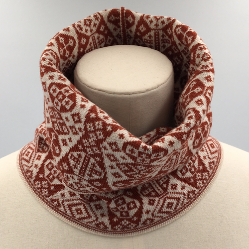 Red and white fair isle cowl