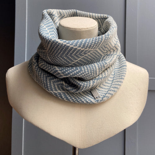 Olive Pearson merino lambswool cowl