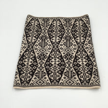 Load image into Gallery viewer, Black and white superfine merino wool Fair Isle cowl