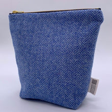Load image into Gallery viewer, Make Up bag herringbone blue