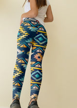 Load image into Gallery viewer, Mid Waist Boho Leggings