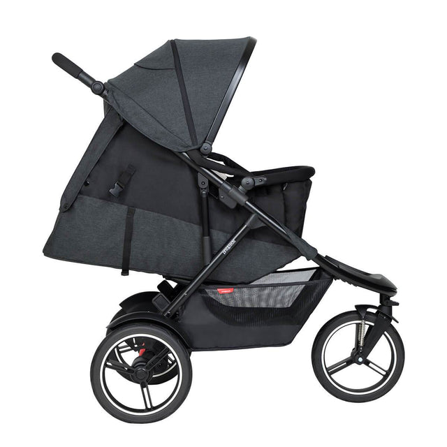 phil&teds dash inline buggy with cocoon lie flat in main seat