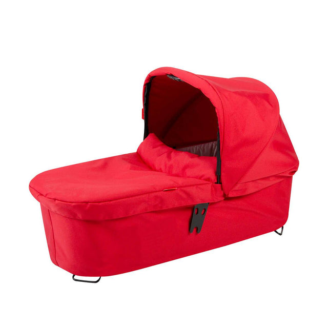 phil&teds dash snug carrycot 3qtr view_red