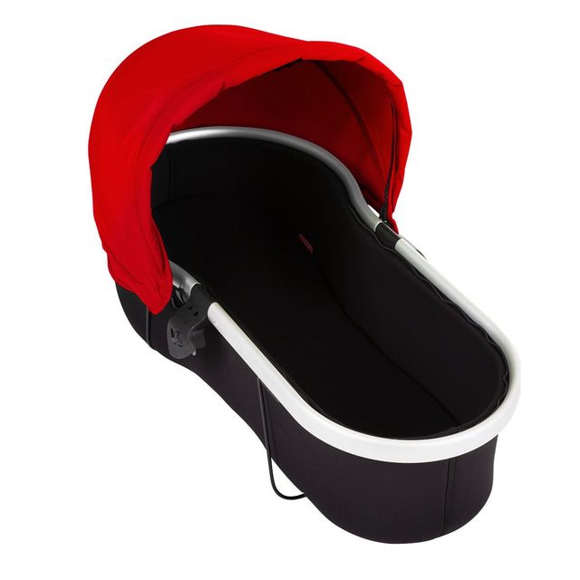 phil&teds vibe & verve carrycot with red sunhood 3/4 view_red
